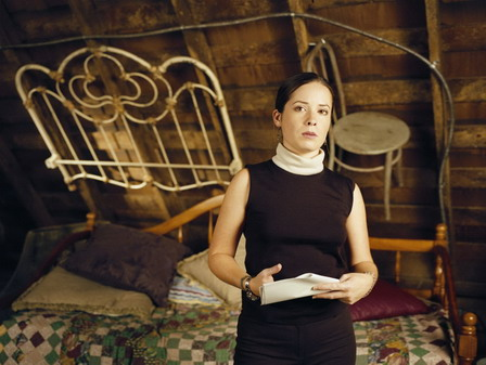Холли Мэри Комбс фото