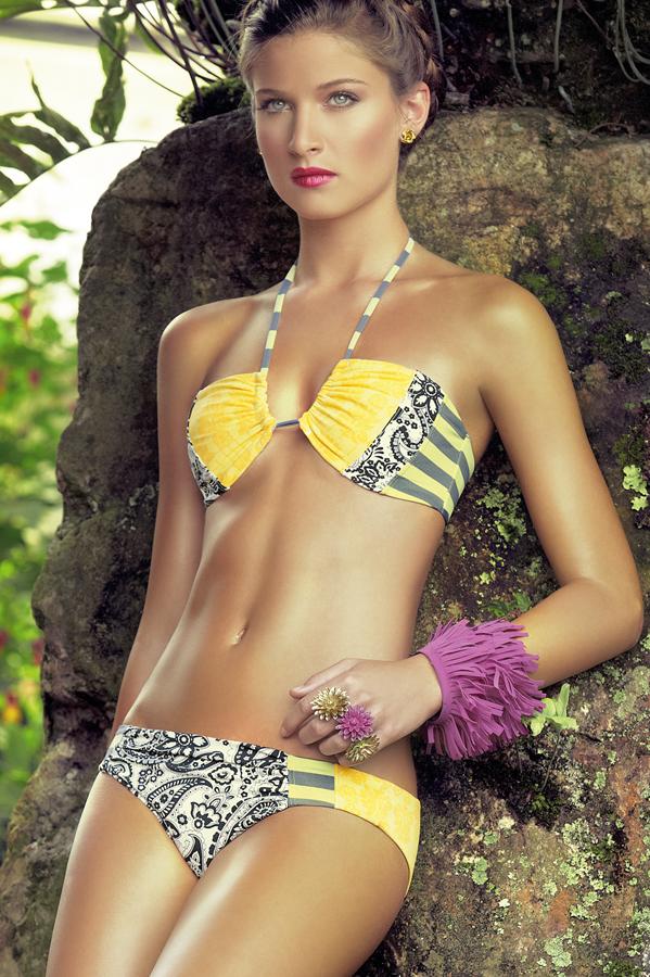 желтый бикини 2010 - модные купальники 2010