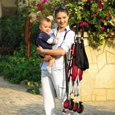 Когда нужна прогулочная коляска для ребенка?