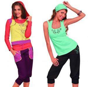 разноцветная одежда для фитнеса