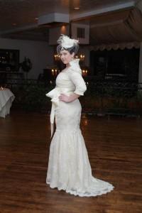 красивое свадебное платье с рукавами для полных