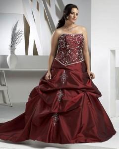 оригинальное платье для полной бордовое