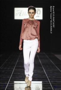 Женские белые брюки 2011