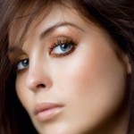 макияж для голубоглазых брюнеток фото