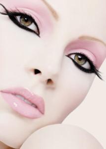 макияж для брюнетки фото кошачьи глаза