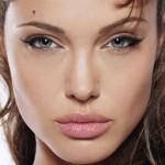пример макияжа анджелины джоли