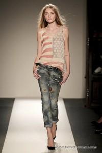 модные женские джинсы 2011 стиль гранж