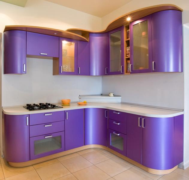 Вот несколько фото примеров кухонь из
