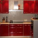 красная кухня мдф фото