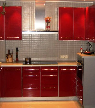 Несколько фото примеров кухонь из мдф