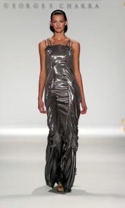 серебристые модные вечерние платья 2011
