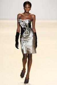 атласные модные вечерние платья 2011