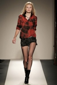 неформальные модные шорты 2011 фото