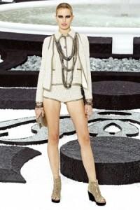модные шорты 2011 официальный стиль