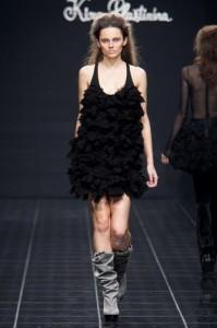 молодежные платья 2011 черная классика