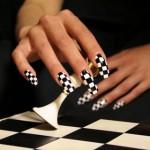 шахматный модный маникюр 2011 фото