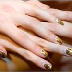 золотистый модный маникюр 2011 фото