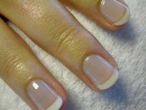 Френч маникюр на коротких ногтях фото
