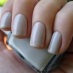 телесный маникюр на коротких ногтях фото