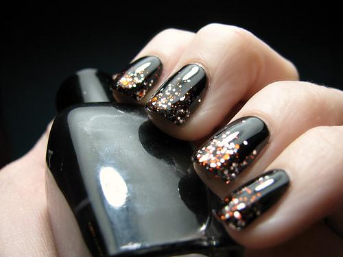 Маникюр на короткие ногти фото 1
