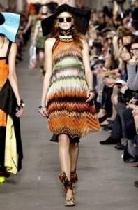 геометрические принты мода весна-лето 2011 фото
