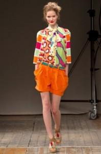 мода весна-лето 2011 принты абстракция фото