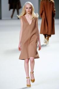 мода весна-лето 2011 минимализм фото