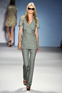 мода весна-лето 2011 минималистический стиль фото