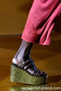 мода весна-лето 2011 обувь фото