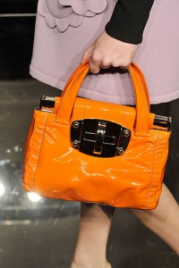 оранжевый модный цвет 2011