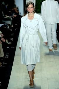 белые модные плащи весна-лето 2011 фото
