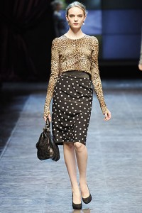 юбка-карандаш с леопардовой блузой фото
