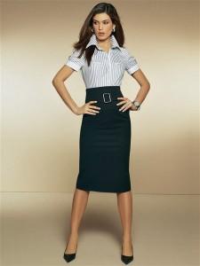 юбка-карандаш с завышенной талией и белой блузой фото
