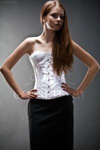 юбка-карандаш с белым корсетом фото
