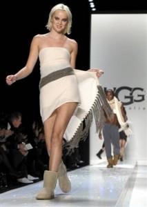 платье с уггами фото