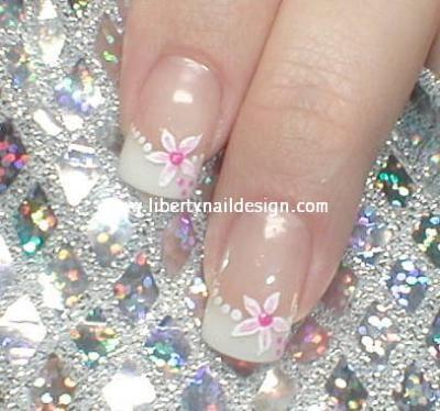 Дизайн ногтей на свадьбу простой