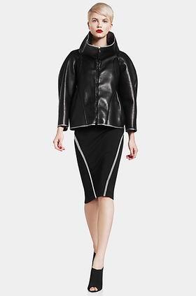 черная кожаная куртка необычного покроя осень зима 2011-2012