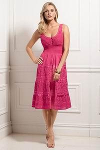 розовый вязаный сарафан