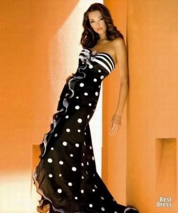 вечернее красивое платье в горошек