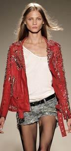 красная куртка осень 2011