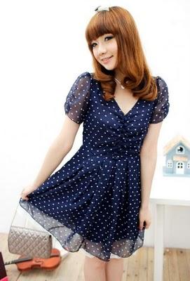 шифоновое синее платье в горошек