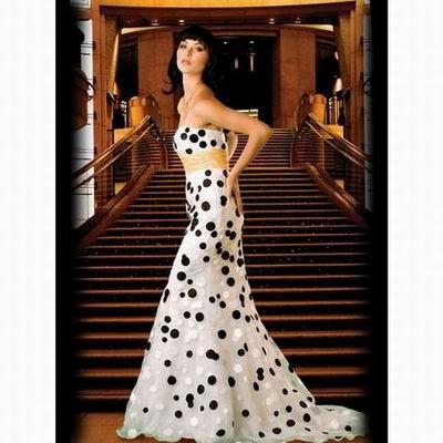 вечернее белое платье в черный горошек