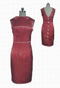 вечернее красное платье в горошек