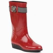 модные красные резиновые сапоги 2011-2012