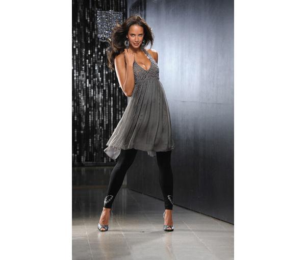 В чем же встречать год Дракона.  Какое платье купить на Новый Год 2012?