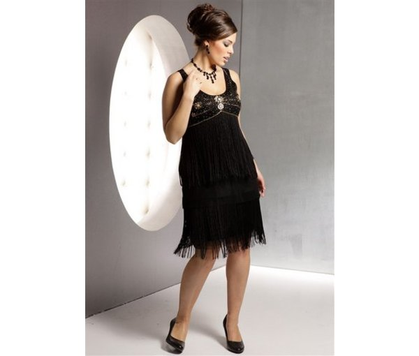 модное вечернее платье для полных девушек с небольшой грудью