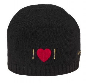 модная шапочка 2011-2012 с сердечком