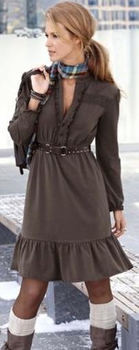 молодежное платье с рюшами 2011-2012