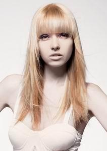 модная стрижка 2012 - лесенка