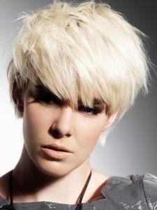 модная стрижка 2012 для коротких волос - под мальчика
